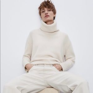 Zara 100% cashmere ivory turtleneck sweater